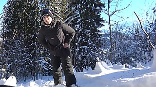 Teen Public Flash in Snowboard In Mountain - Flash A La Neige VicAlouqua
