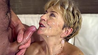 Grandmas hairy vag licked