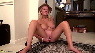 Old sexy granny needs a good fuck