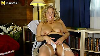 Hot busty American granny with hairy hungry vagina