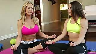 Brandi Love teaching Lola Foxx how to do yoga