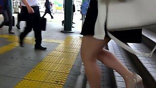 Sexy Legs Walk 002
