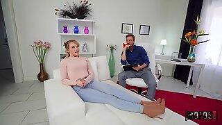 Horny chick needs anal so bad decides to fuck the therapist