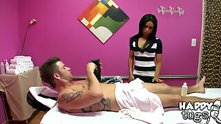 Stunning Alexa having fun in the massage parlor