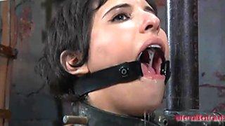 Голяма сочни кучка Марина получава нейните мръсници уста прецака бдсм начин