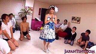 Glamour Mayu Nozomi enjoys facial