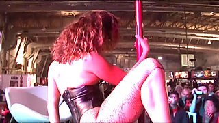 Black Latina stripper shows her skills - Latin-Hot