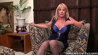 american gilf Phoenix Skye fucks herself with a fake penis