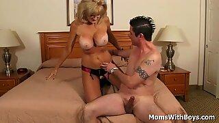 Mature Blonde Cam Ray Do Porn With Boyfriend