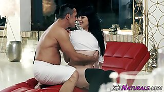 Japanese beauty gets mouth spermed