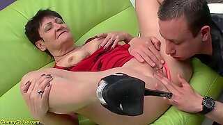 82 years old mom rough toyboy fucked