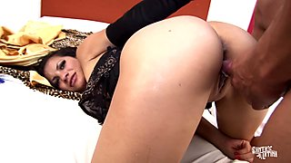 SANTA LATINA - Sexy Latina babe fucks Colombian stud