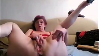 CHARMING WOMEN ON THE CAM 1