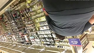Thick white pear bbw booty shopping bend