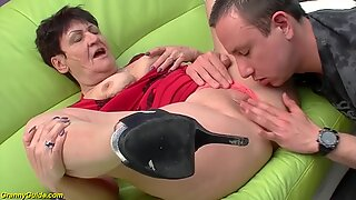74 years old granny banged by her toyboy