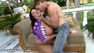 Curvy Big titty bbw Kandi Kobain loves to Get Pantyhose Ripped