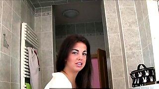 Girlfriends Lesbians eat pussy on bathroom floor
