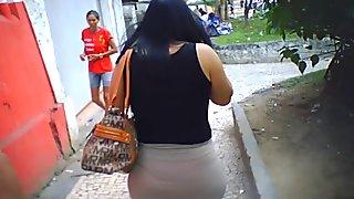 a mulher do moto taxi