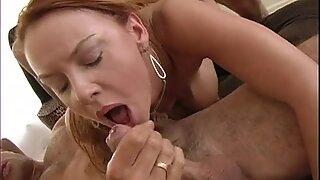 Hot homebody Джанет Зидар обича да получава хубав пенис чукане на закрито