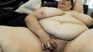 Webcam_Amateur & plus-size