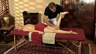 Pretty Blonde Babe Cadence Lux Banged And Jizzed By Masseur