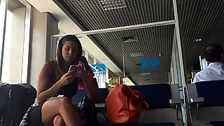 Candid Hot Brazilian Feet Sgoeplat Dangling at Airport