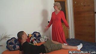 Evli kadın onu kanunda anne lanet bulur ve delirir