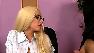 Sexy star Gina_Lynn fucks guy in the office ALIVEGIRL