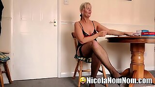 Mature Wife Fucks Pizza Delivery Guy