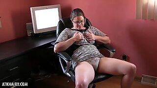 Paulette Masturbates at Work