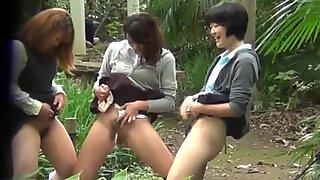 Peeing japanese teens get secretly watched
