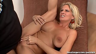 super hot cougar Gets humped By Ron Jeremy
