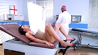 Cytherea & Johnny Sins in Blind Experiment - Brazzers