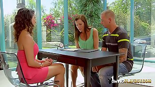 The Swing House is full of couples that love swapping while cumming.