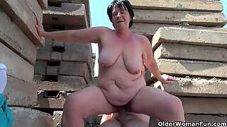 BBW granny makes the greatest of grandpa's petite pipe