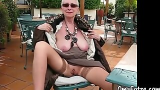 OmaFotzE Homemade Outdoor Chubby Camera Showoff