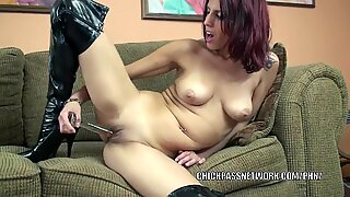 insane cougar Lavender Rayne uses a toy on her rosy pussy