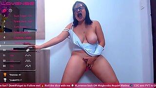 Mature Latina Cumming All Over