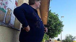 Mature lady looking at my penis flashing