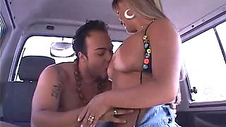 Spoiled bootylicious black shemale is fond of sucking a strong BBC for cum