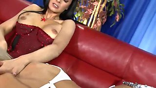 Raunchy three session with two saucy bimbos