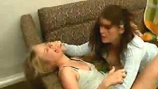 lesbian girl fucks blonde