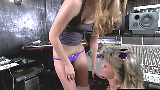 Lesbian Teen Aurora Gets Pussy Licked By Tali