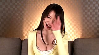 Petite Yumeno Aika gets pounded on couch