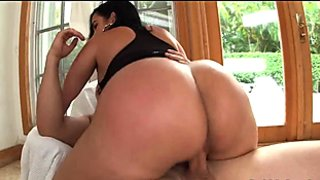 Big Colombian Ass gets Drilled