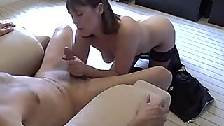 Alluring amateur throat fucks this hard throbbing cock