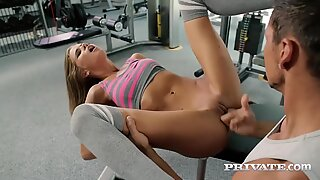 Sarah gets a nice pussy workout when the gym closes Report this video