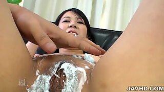 Saya Fujimoto enjoys getting her muff shaved
