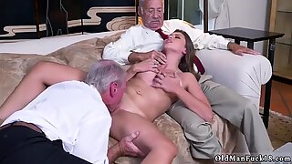Old granny threesome Ivy impresses with her meaty jugs and ass - Ivy Rose