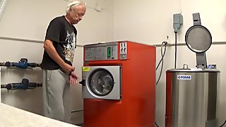 Norwegian Daddy in a public laundry